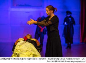 ANTIGONE von Kostas Papakostopoulos nach Sophokles,Inszenierung Kostas Papakostopoulos, Musik Herbert Mitschke